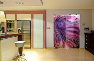 Стеклянные двери: маятниковые, распашные и другие
