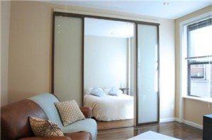 Почему стоит купить межкомнатные стеклянные двери