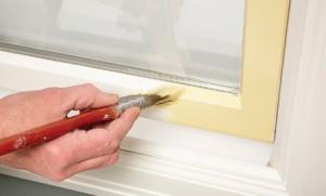 Как покрасить окна, не запачкав стекла