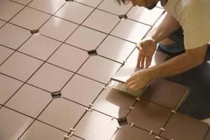 как укладывать напольную плитку