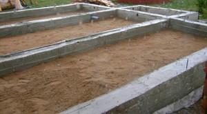Фундамент ленточный: материалы, характеристики, конструкция